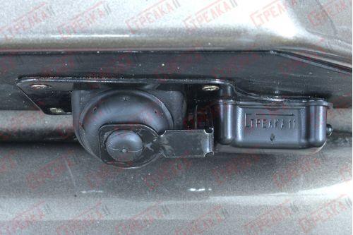 Защита камеры заднего вида - LANDROVER DISCOVERY IV 2009-2013г.в.